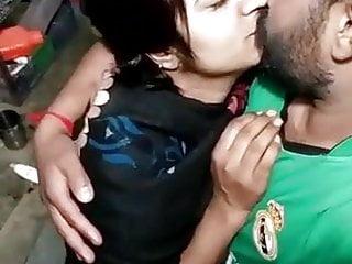 bhabhi ke sath devar ne kiya romance