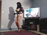 pute musulmane danse la chatte a l air