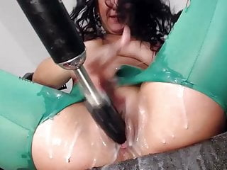 massive squirting cunt