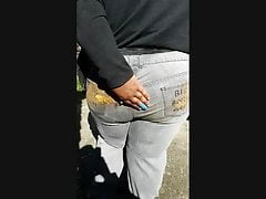 BBW uses her own butt as a napkin