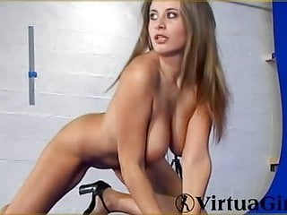 French playwhore model Elya lighten striptease