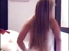 Rubia culona bailando en webcam