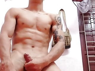 handsome asian guy wanking for the web (22)